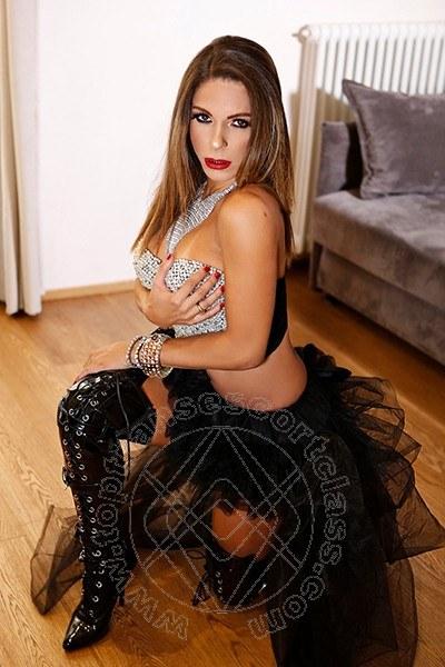 Laryssa Monteiro  ROMA 3888004886