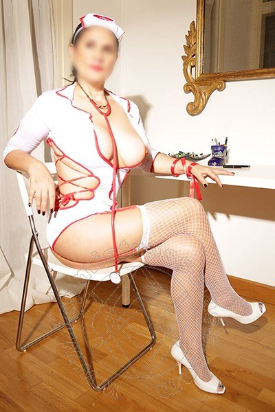 Signora Laura  ROMA 3291885197